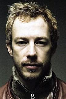 Kris Holden-Ried Picture
