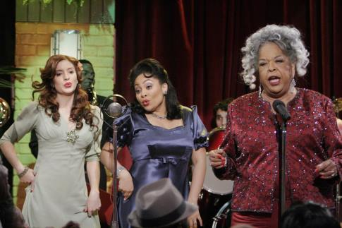 Della Reese, Raven-Symoné, and Anneliese van der Pol in That's So Raven (2003)