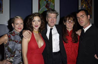 David Lynch, Laura Harring, Mary Sweeney, Justin Theroux, and Naomi Watts at Mulholland Drive (2001)