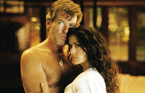 Pierce Brosnan and Salma Hayek in After the Sunset (2004)
