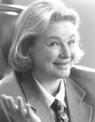 Dianne Wiest in The Associate (1996)