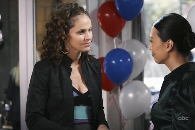Amy Brenneman and Ming-Na Wen in Private Practice (2007)