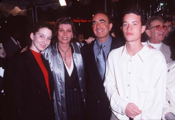 Robert Shapiro at An Alan Smithee Film: Burn Hollywood Burn (1997)