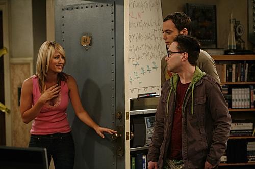 Kaley Cuoco, Johnny Galecki, and Jim Parsons in The Big Bang Theory: Pilot (2007)