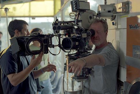 Ridley Scott in Matchstick Men (2003)