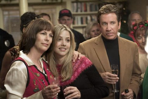 Jamie Lee Curtis, Tim Allen, and Julie Gonzalo in Christmas with the Kranks (2004)