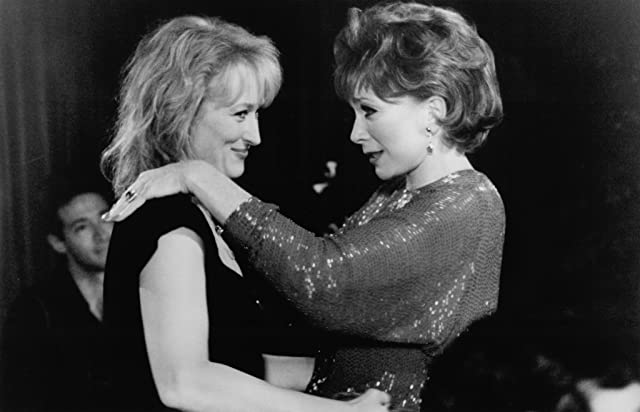 Shirley MacLaine and Meryl Streep in Postcards from the Edge (1990)