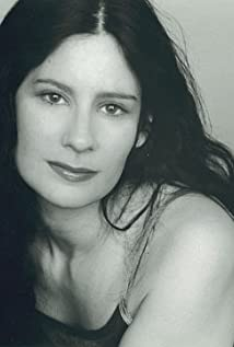 Mia Reeves Picture