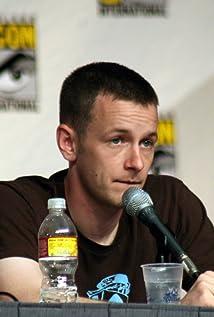 Aktori Dominic Dierkes