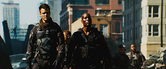 Josh Duhamel and Tyrese Gibson in Transformers: Dark of the Moon (2011)