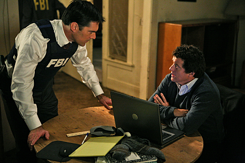 Thomas Gibson and Louis Ferreira in Criminal Minds (2005)