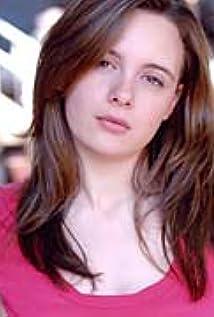 Aktori Shana Dowdeswell