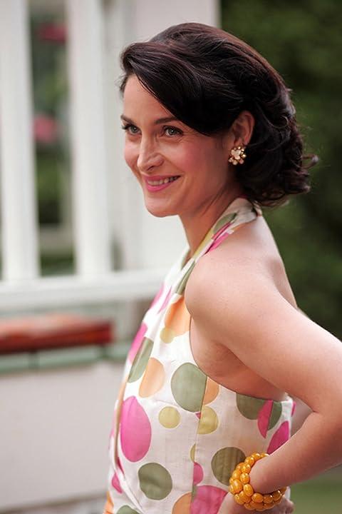 Carrie-Anne Moss in Fido (2006)