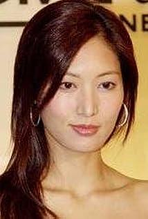 Aktori Valerie Chow