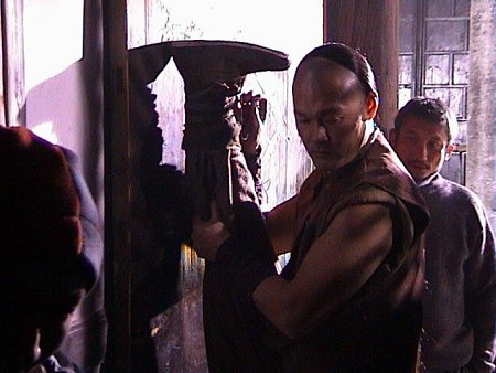 Michael Man-Kin Chow and Hark Tsui in The Era of Vampires (2003)