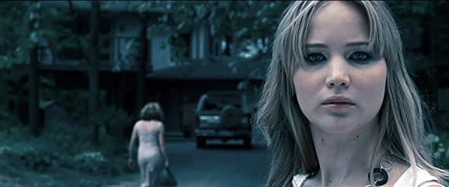 Jennifer Lawrence in House at the End of the Street (2012)