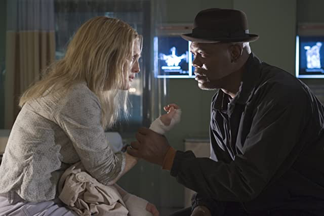 Samuel L. Jackson and Julianne Moore in Freedomland (2006)