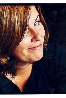 Liza Tarbuck Picture