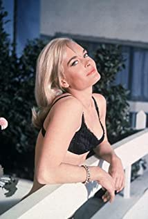 Shirley Eaton Picture