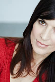 Perrey Reeves Picture