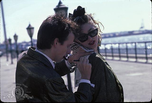 Madonna and Robert Joy in Desperately Seeking Susan (1985)