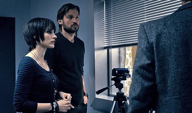 Nikolaj Coster-Waldau and Jessica Chastain in Mama (2013)