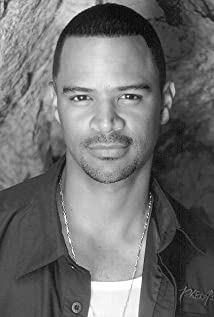 dondre whitfield wife
