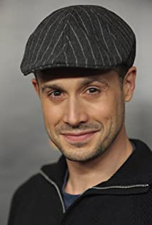 Freddie Prinze Jr. New Picture - Celebrity Forum, News, Rumors, Gossip