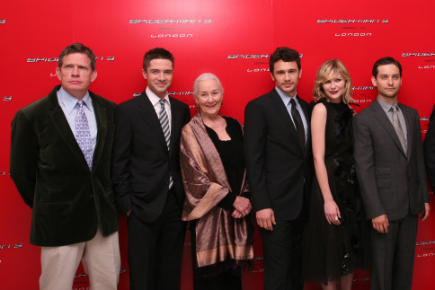 Kirsten Dunst, Tobey Maguire, Thomas Haden Church, James Franco, Topher Grace, and Rosemary Harris at Spider-Man 3 (2007)