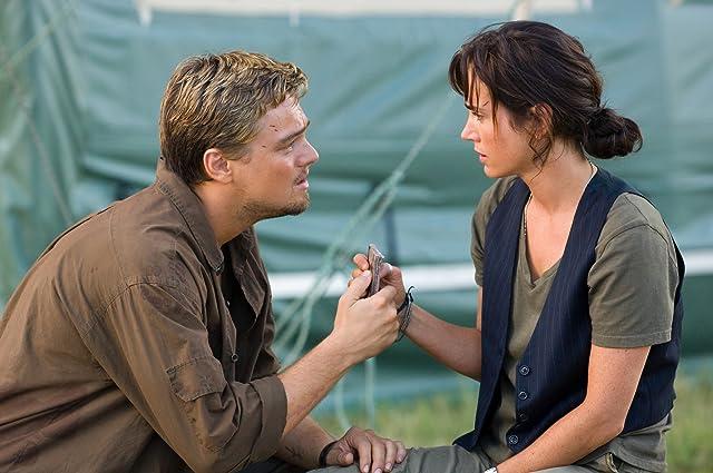 Jennifer Connelly and Leonardo DiCaprio in Blood Diamond (2006)