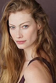 alyssa sutherland height