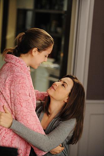 Julianna Margulies and Makenzie Vega in The Good Wife (2009)