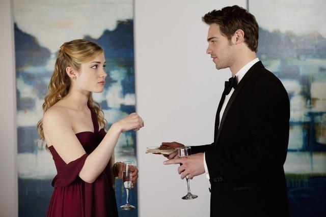 Skyler Samuels and Grey Damon in The Nine Lives of Chloe King (2011)