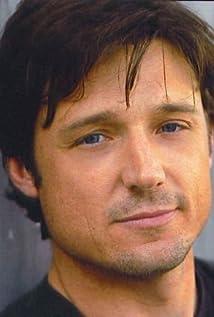 Aktori David Chisum