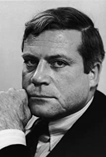 Oliver Reed Picture