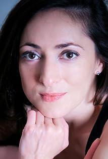 Maud Ferrari Picture