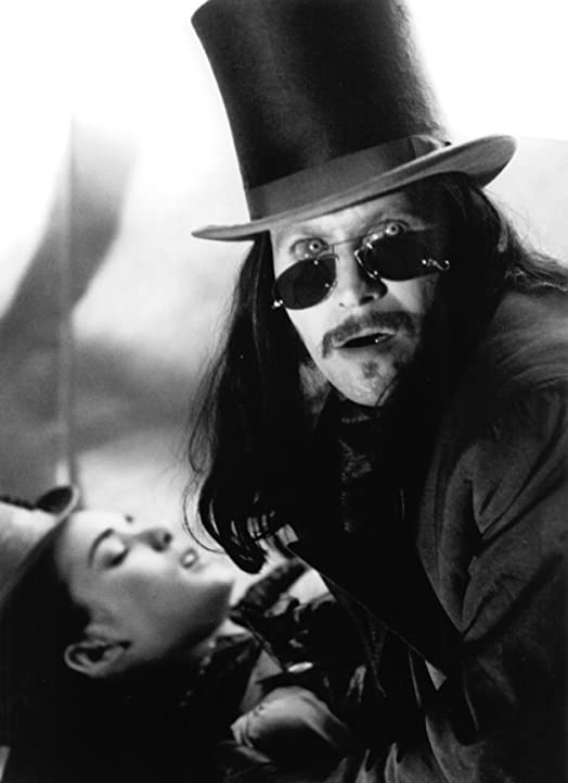 Gary Oldman and Winona Ryder in Bram Stoker's Dracula (1992)