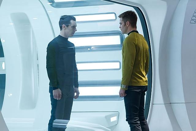 Benedict Cumberbatch and Chris Pine in Star Trek Into Darkness (2013)