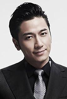 Aktori Ron Ng