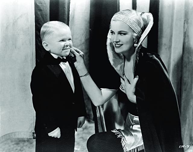 Olga Baclanova and Harry Earles in Freaks (1932)