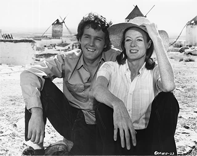 Timothy Bottoms and Maggie Smith in Love and Pain and the Whole Damn Thing (1973)