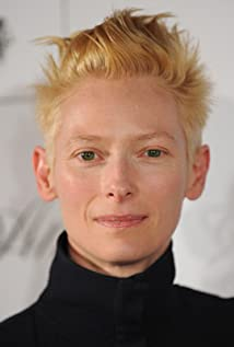Tilda Swinton Picture