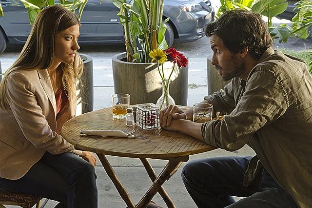 Santiago Cabrera and Jennifer Carpenter in Dexter (2006)