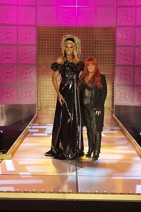 RuPaul and Wynonna Judd in RuPaul's Drag Race (2009)