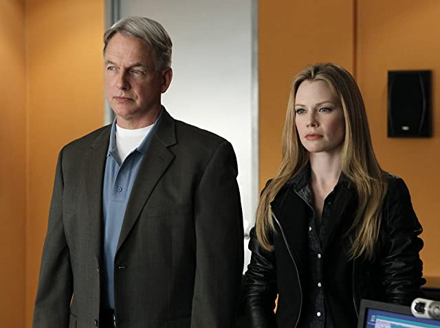 Mark Harmon and Sarah Jane Morris in NCIS (2003)
