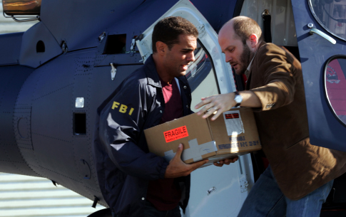 Bobby Cannavale and Todd Louiso in Snakes on a Plane (2006)