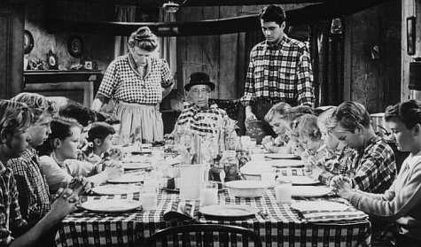 Brett Halsey, Percy Kilbride, and Marjorie Main in Ma and Pa Kettle at Home (1954)