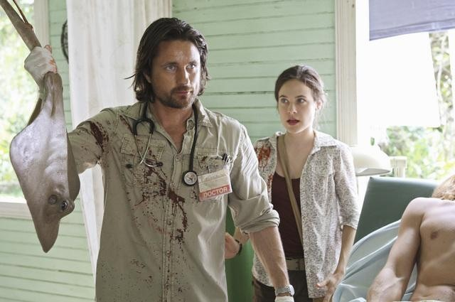 Caroline Dhavernas and Martin Henderson in Off the Map (2011)
