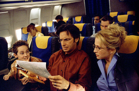 Robert Carradine, Hallie Todd, and Jake Thomas in The Lizzie McGuire Movie (2003)