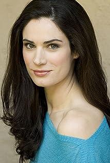 Aktori Anora Lyn